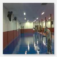 F brica de tinta ep xi para piso industrial revesprim for Fabrica de pisos